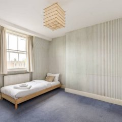 Отель 5 Bedroom House in Clerkenwell Лондон комната для гостей фото 2