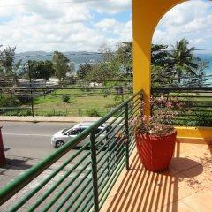 Отель Altamont West Hotel Ямайка, Монтего-Бей - отзывы, цены и фото номеров - забронировать отель Altamont West Hotel онлайн балкон