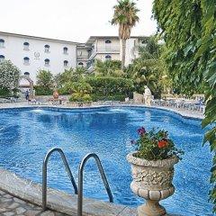 Отель Sant Alphio Garden Hotel & Spa (Giardini Naxos) Италия, Джардини Наксос - 2 отзыва об отеле, цены и фото номеров - забронировать отель Sant Alphio Garden Hotel & Spa (Giardini Naxos) онлайн бассейн фото 2