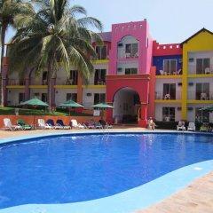 Отель Royal Decameron Complex бассейн