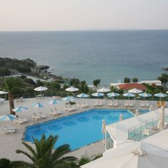 Отель Princessa Riviera Resort бассейн