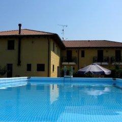 Отель Olistella Палаццоло-делло-Стелла бассейн