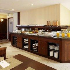 Отель NH Gent Sint Pieters Бельгия, Гент - 1 отзыв об отеле, цены и фото номеров - забронировать отель NH Gent Sint Pieters онлайн питание фото 2