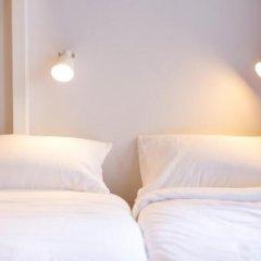 Nornyaowarat Hostel Бангкок в номере