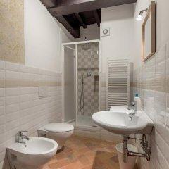 Отель Friends Of Florence Италия, Флоренция - отзывы, цены и фото номеров - забронировать отель Friends Of Florence онлайн ванная