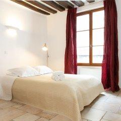 Отель Louvre - Saint Honore Private Apartment Франция, Париж - отзывы, цены и фото номеров - забронировать отель Louvre - Saint Honore Private Apartment онлайн комната для гостей фото 3