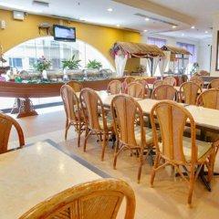 Отель Prescott Hotel KL Medan Tuanku Малайзия, Куала-Лумпур - 1 отзыв об отеле, цены и фото номеров - забронировать отель Prescott Hotel KL Medan Tuanku онлайн питание фото 2