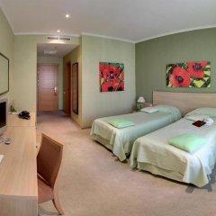 Отель At Home Солна комната для гостей фото 5