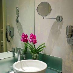 Отель Leonardo Prague Чехия, Прага - 12 отзывов об отеле, цены и фото номеров - забронировать отель Leonardo Prague онлайн ванная