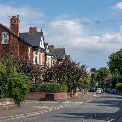 Отель Cosy Studio in Heart of West Didsbury Великобритания, Манчестер - отзывы, цены и фото номеров - забронировать отель Cosy Studio in Heart of West Didsbury онлайн парковка