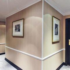Отель Golden Tulip Washington Opera Париж сейф в номере
