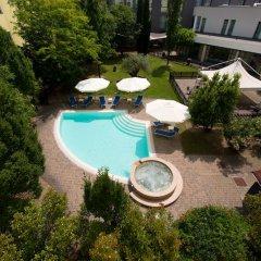 Отель CDH Hotel Parma & Congressi Италия, Парма - отзывы, цены и фото номеров - забронировать отель CDH Hotel Parma & Congressi онлайн бассейн фото 3