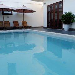 Отель Hoi An Lotus Aroma Villa бассейн