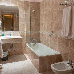 Отель Royal Costa Торремолинос ванная фото 2
