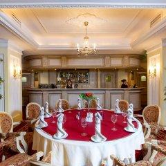 Гостиница Онегин в Екатеринбурге - забронировать гостиницу Онегин, цены и фото номеров Екатеринбург питание