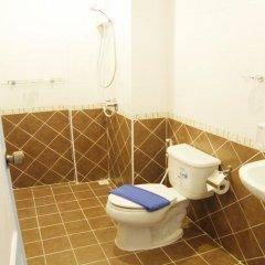 Отель Sooi-Tee Guest House 2 Таиланд, Паттайя - отзывы, цены и фото номеров - забронировать отель Sooi-Tee Guest House 2 онлайн ванная