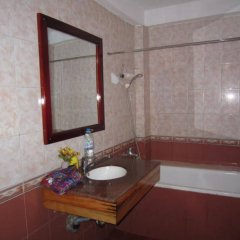 Отель Cat Cat Hotel Вьетнам, Шапа - отзывы, цены и фото номеров - забронировать отель Cat Cat Hotel онлайн ванная фото 2