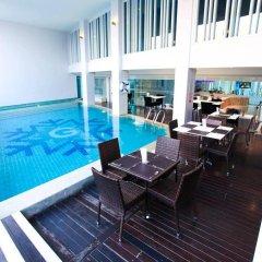 Glacier Hotel Khon Kaen бассейн