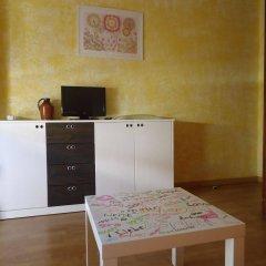 Отель Apartamentos Calafats Испания, Льорет-де-Мар - отзывы, цены и фото номеров - забронировать отель Apartamentos Calafats онлайн удобства в номере