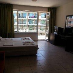 Апартаменты Menada Forum Apartments Солнечный берег комната для гостей