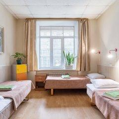 Метро-Тур хостел Кровать в общем номере с двухъярусной кроватью фото 10