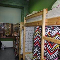 Red House Hostel Кровать в общем номере с двухъярусной кроватью фото 5