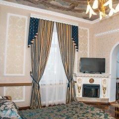Гостиница Бристоль-Центральная Люкс с двуспальной кроватью фото 6