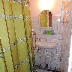 Гостиница Сансет 2* Номер с общей ванной комнатой с различными типами кроватей (общая ванная комната) фото 4