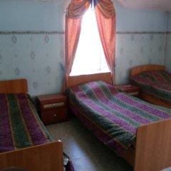 Отель Lotus 2* Кровать в общем номере фото 3