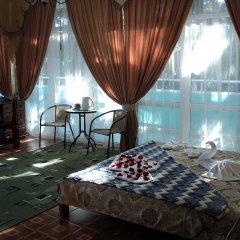 Гостиница Парк-Отель Прага в Алуште 3 отзыва об отеле, цены и фото номеров - забронировать гостиницу Парк-Отель Прага онлайн Алушта комната для гостей фото 4