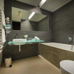 Отель Design Neruda 4* Улучшенный номер с различными типами кроватей фото 12
