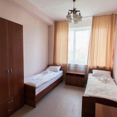 V Centre Hotel Номер категории Эконом с различными типами кроватей