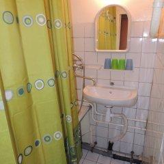 Гостиница Сансет 2* Номер с общей ванной комнатой с различными типами кроватей (общая ванная комната) фото 14