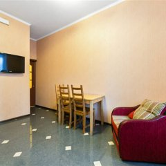 Апартаменты Варшава комната для гостей