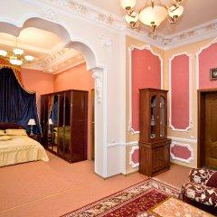 Гостиница Бристоль-Центральная Люкс с двуспальной кроватью фото 5