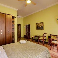 Клуб-Отель Питерская комната для гостей фото 8