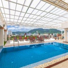 Отель Azhotel Patong бассейн
