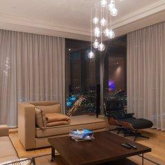 Апартаменты SkyApartments комната для гостей фото 4