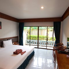 Отель Patong Pearl Resortel комната для гостей фото 19
