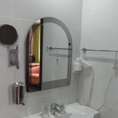 Гостиница Изумруд 2* Улучшенный номер разные типы кроватей фото 13