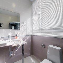 Гостиница Balmont 2* Улучшенный номер с двуспальной кроватью фото 14