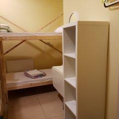 Hostel RETRO Кровать в мужском общем номере с двухъярусной кроватью фото 4