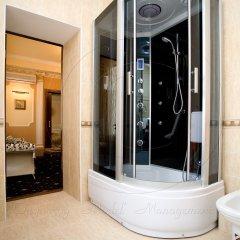 Гостиница Бристоль-Центральная Люкс с двуспальной кроватью фото 9