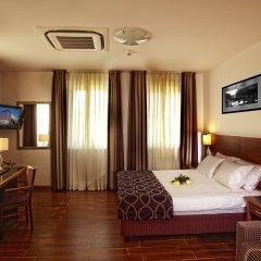 Hotel Galileo Prague 4* Улучшенный номер с различными типами кроватей фото 2