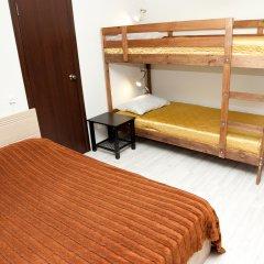 Гостиница Avrora Centr Guest House Стандартный семейный номер с двуспальной кроватью фото 11