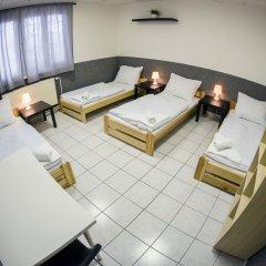 Хостел Seven Prague Номер с общей ванной комнатой с различными типами кроватей (общая ванная комната) фото 16