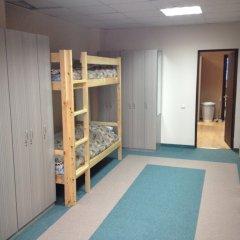Хостел 4&4 Кровать в общем номере фото 4