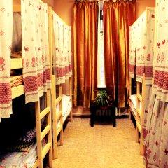 Хостел Любимый Кровати в общем номере с двухъярусными кроватями фото 23