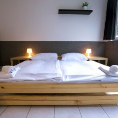 Хостел Seven Prague Номер с общей ванной комнатой с различными типами кроватей (общая ванная комната)