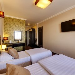 Гостиница Мартон Стачки 3* Улучшенный номер разные типы кроватей фото 2